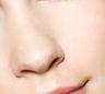 大鼻头与精致脸庞互撞