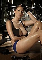 性感体育宝贝爆乳示范 教你如何健身丰胸