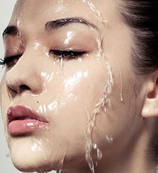护理第一步:清洁脸部
