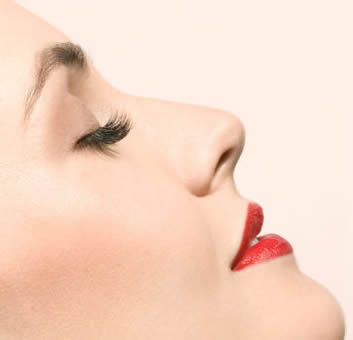 隆鼻整形手术为什么要避开月经期