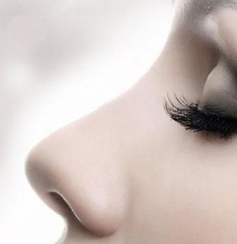 隆鼻整形用哪种材料术后效果最好