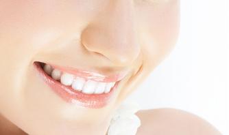 告别氟斑牙 让笑容更迷人