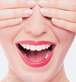 牙齿美白 让你的笑容更灿烂