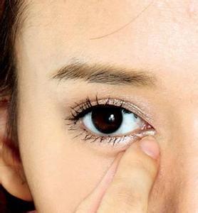 去眼部除皱 让你重回年轻态