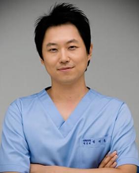 韩国REX整形医院:郑载勋