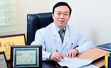 国内自体脂肪填充专家刘成胜