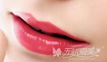 网红套餐玻尿酸注射丰唇