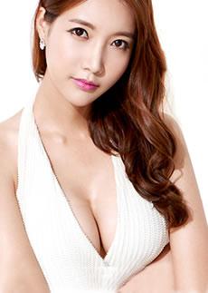 平胸妹在韩国TL做水滴形假体丰胸经历