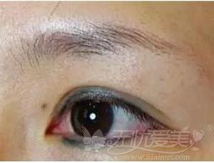 失败的纹眼线