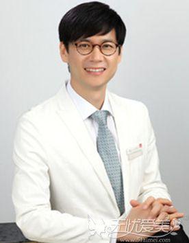 韩国雕刻宋龙泰医生