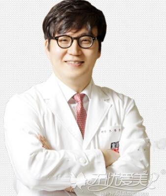 韩国童颜中心整形医院医生曹昌焕