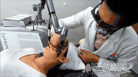 做激光美白需要通过专业的医生治疗