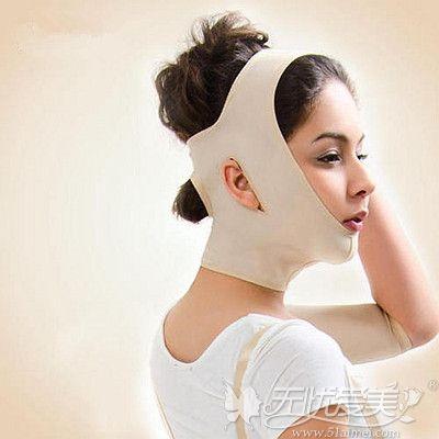 光纤溶脂后是需要戴头套的